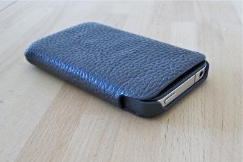 iPhone 4 in una Sena UltraSlim per 3GS
