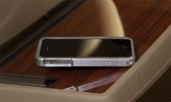 Custodia in alluminio Alumacase per iPhone 4
