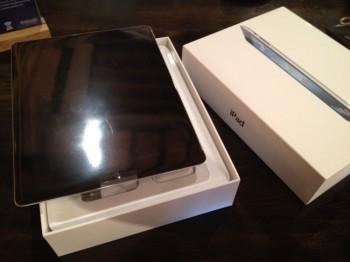 iPad 64GB Wi-Fi + 4G Black (terza generazione)